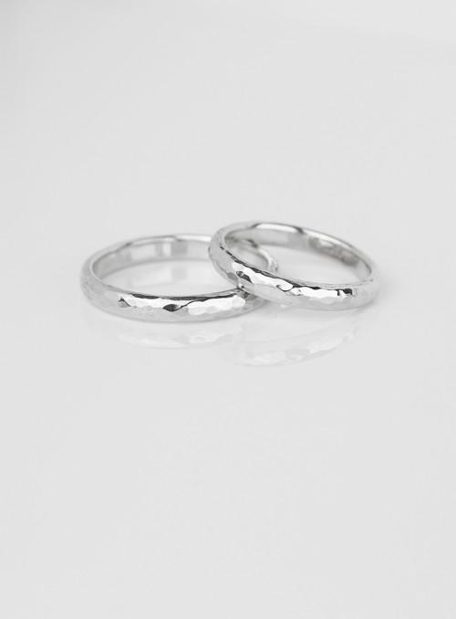obrączki ślubne klasyczne  młotkowane białe złoto 0.750 3.00 mm 8.00 gram 18kt