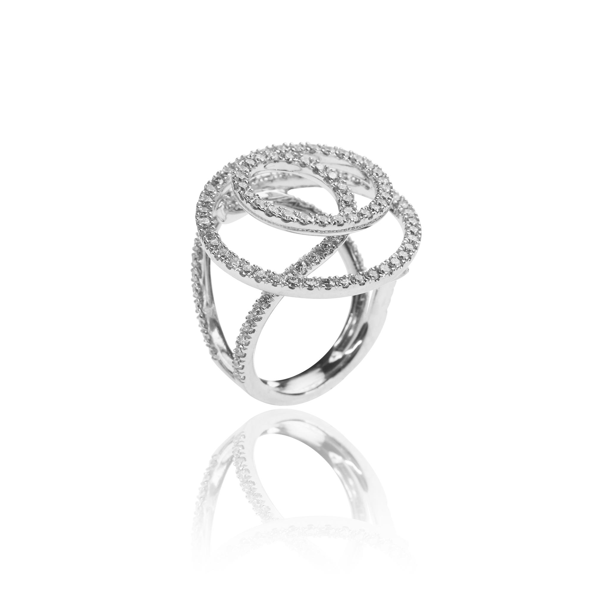 pierścionek infinito z białego złota 18 karatowego z diamentami