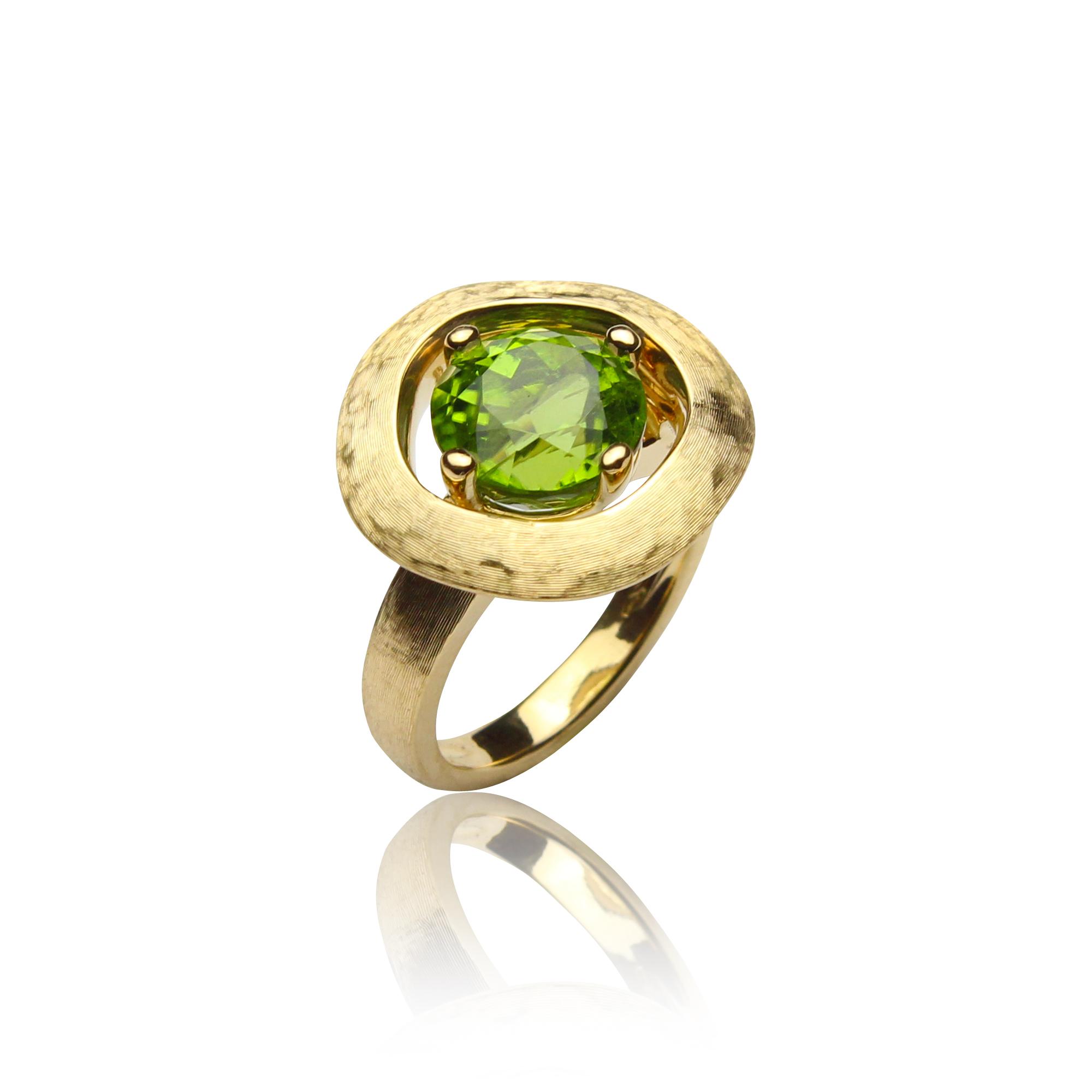 pierścionek paradiso 1198 perydot z żółtego złota 18 karatowego z perydotem