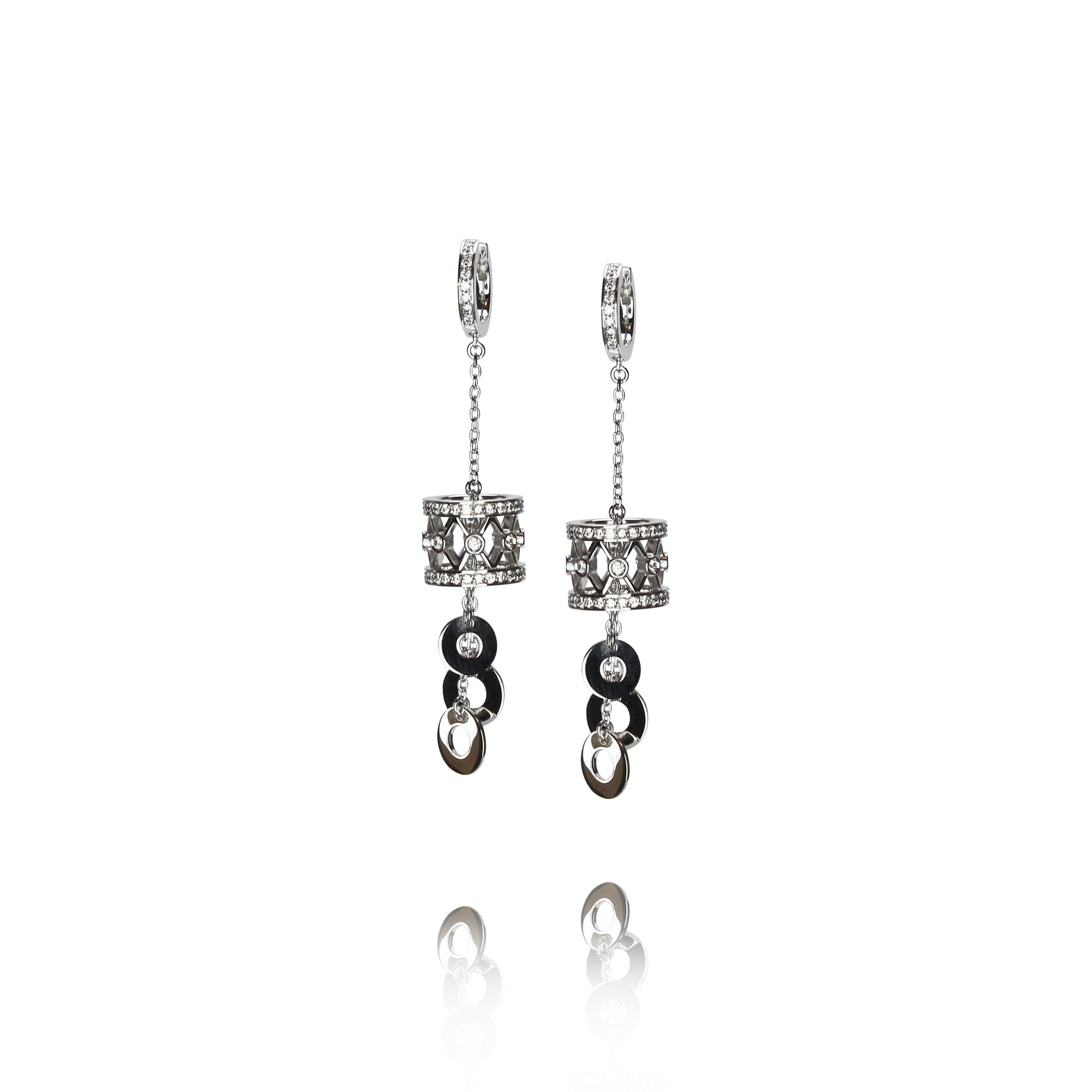 orecchini tamburino in oro bianco 18 carati con diamanti